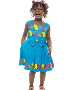 These African print dresses for little girls with give you great ideas on making ankara print dresses for your girls. African Print Dresses, African Print Fashion, Africa Fashion, African Fashion Dresses, African Attire, African Wear, African Women, African Dress, African Kids