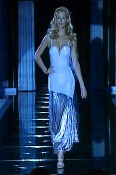 """ffc3add893ae versaceslut  """" Karen Mulder at Gianni Versace Spring 1995 """" Simplicity  Fashion, Gianni Versace"""