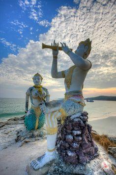 Beach statues, Ko Samet, Thailand