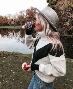 Claartje Rose, Dutch blogger, sweater, turtleneck, winter fashion