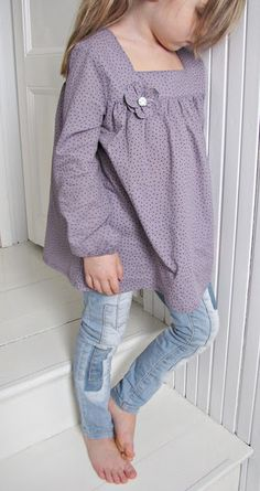 I love this top for a little girl.  I wonder if I could make that top and if Ashlee would wear it?