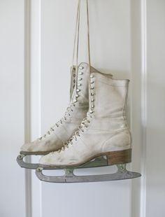 Kunstschaatsen, kreeg ik in 1966 van de Sint! De sloten en vijvers waren naar mijn idee elke winter bevroren in de jaren zestig!