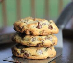 These 'perfect' chocolate chip cookies are completely buttery chewy thick and chocked full of rich semi-sweet chocolate chips. Perfect Chocolate Chip Cookies, Semi Sweet Chocolate Chips, Chocolate Chip Recipes, Chocolate Chocolate, Homemade Chocolate Chip Cookies, American Chocolate Chip Cookies, Buttery Chocolate Chip Cookies, Desserts With Chocolate Chips, Ghirardelli Chocolate