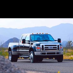 Great looking factory custom Ford dually. Without a doubt the most comfortable best driving & proven most powerful, best pulling, most traction regular size Duallies on the market.