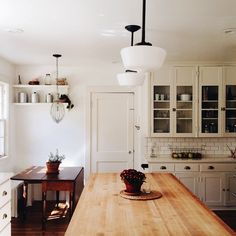 Kitchen and dining area | mamawatters on Instagram