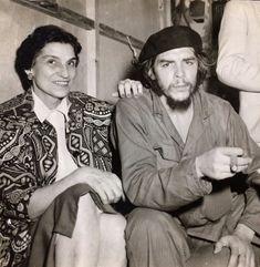 El Che y su mamá Fidel Castro Che Guevara, Cuba Fidel Castro, Cuba History, History Photos, Karl Marx, Che Guevara Images, Bob Marley Legend, Viva Cuba, Ernesto Che Guevara