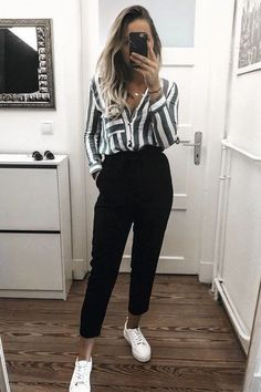 Formal casual outfits #formal #casual #outfits; formal casual wear; ten ... - Welcome to Blog - #Blog #casual #formal #Outfits #ten #Wear Formal Casual Outfits, Summer Business Casual Outfits, Classic Work Outfits, Casual Work Attire, Chic Summer Outfits, Style Casual, Winter Outfits For Work, Autumn Outfits, Outfit Summer