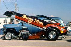 A nostalgic look back at drag racing funny cars from the Funny Car Drag Racing, Nhra Drag Racing, Funny Cars, Nissan Trucks, Ford Trucks, Drag Bike, Old Race Cars, Drag Cars, Vintage Humor