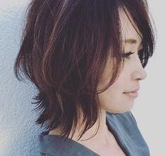 お客様のヘアスタイルの紹介です。 最近Instagramの写真でオーダーされるお客様が増えました。 そして@daisukesekitaをフォローして頂けるととても嬉しいです(^^) ビフォアの状態 1ヶ月半の周期でご来店いただいています。 ヘアスタイルを決めるカウンセリングでは、 顔まわりの跳ねが左右違う 動きのあるスタイルにしたい ふんわりとさせたい とオーダーを頂き、一緒にヘアスタイルを決めて ...