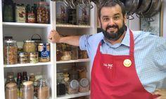 Espárragos trigueros, solomillos de atún Campos, un toque de curry, salsa de soja, frutas con yogur, miel, azahar y una pizca de canela. Por si no lo habéis adivinado, estos son algunos de los ingredientes del atún camaflú, una receta salida de la imaginación del genial David de Jorge. Si os perdísteis el programa de Robin Food, aquí lo tenéis :)