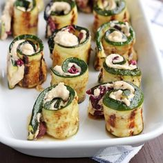 Die nächste Hausparty steht an? Hier kommen 7 geniale Fingerfood-Rezepte Anyone can make cheese and grape skewers or meatballs – here are 7 brilliant finger food recipes that you are guaranteed not to have known … Healthy Appetizers, Appetizers For Party, Appetizer Recipes, Healthy Snacks, Dinner Recipes, Party Recipes, Summer Recipes, Fall Recipes, Holiday Recipes