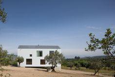 Dom Fonte Boa / Joao Mendes Ribeiro – nowoczesna STODOŁA   wnętrza & DESIGN   projekty DOMÓW   dom STODOŁA