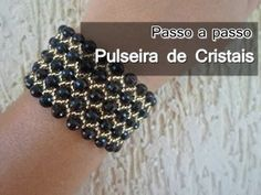 NM Jewelery - Black Crystal Bracelet Source by lysianassa Free Beading Tutorials, Beading Projects, Beaded Bracelet Patterns, Beading Patterns, Bracelet Tutorial, Black Crystals, Crystal Bracelets, Bead Weaving, Bead Crafts