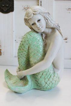 Cute and Adorable Mermaid Bathroom Decor Ideas 01