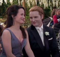 Carlisle & Esme Cullen | Twilight Saga: Breaking Dawn Part 1 (2011)    #peterfacinelli #elizabethreaser #couples