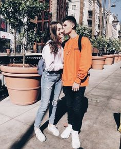 jack kelly and maddie other sis says tou her wht u on angel /sis to mwa ,, I saw jack today with another girl she is 17 years older nan me oh the hate on her ______skies **** she ends it with a middle finger . Boyfriend Pictures, Boyfriend Goals, Future Boyfriend, Cute Relationship Goals, Couple Relationship, Cute Relationships, Cute Couples Goals, Couple Goals, Siblings Goals