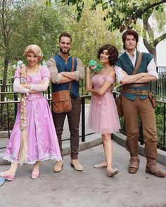 Disney Cosplay Dapper Day at Disneyland brings out the best throwback looks with a Disney twist. Disney Couple Costumes, Disney Couples, Couple Halloween Costumes, Disney Princess Costumes, Disney Halloween, Cute Disney Outfits, Disney Bound Outfits, Disney Themed Outfits, Disney Clothes