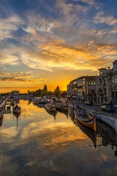 Sunset in Aveiro, Portugal by Jorge Orfão