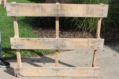 Tips for disassembling a pallet