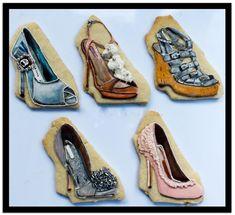 Royal Icing Designer Shoe Cookies - Cake by Kim Coleman (Sugar Rush Custom Cookies) Shoe Cookies, Basic Cookies, Fondant Cookies, Galletas Cookies, Fancy Cookies, Iced Cookies, Custom Cookies, Sugar Cookies, Cupcakes