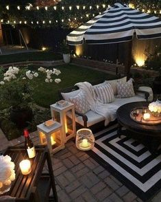 45 Backyard Patio Ideas That Will Amaze & Inspire You – Pictures of Patios – Dream Backyard – Modern Backyard Modern Backyard, Backyard Patio, Backyard Landscaping, Landscaping Ideas, Diy Garden Furniture, Outdoor Furniture, Outdoor Lighting, Outdoor Decor, Lighting Ideas