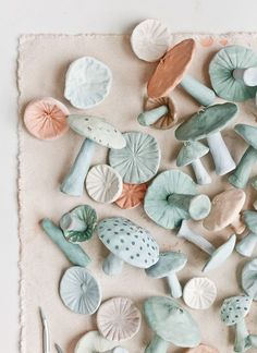 Unique Christmas Ornaments: Making Clay Mushrooms – Paper and Stitch – Air Dry Clay Sculpey Clay, Polymer Clay Crafts, Diy Clay, Diy With Clay, How To Make Clay, Polymer Clay Ornaments, Crafts With Clay, Felt Crafts, Paper Crafts