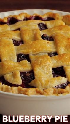 The Ultimate Blueberry Pie Recipe! Making a pie from scratch is so rewarding and this blueberry pie does not disappoint. The filling is bursting with sweet, juicy blueberries and tastes amazing with vanilla ice cream. Blueberry Pie Recipes, Blueberry Desserts, Apple Pie Recipes, Blueberry Cobbler, Blueberry Cake, Pie Dessert, Dessert Recipes, Delicious Desserts, Yummy Food