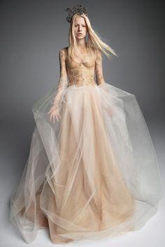 Vera Wang Fall 2019 Bridal Collection - Vogue
