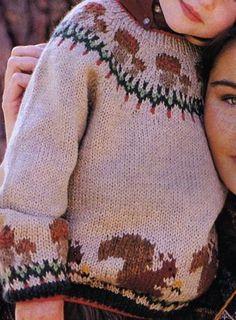 Un pull ras-du-cou à tricoter pour un enfant, toujours dans le thème des champignons et des écureuils : Tailles : 6 ans Aiguilles N° 3,5 - 4,5 et 5 Le cardigan aux champignons Le cardigan vache et le gilet...