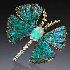 This would be gorgeous in a hat! Diamonds, opal butterfly brooch This would be gorgeous in a hat! Gold Rings Jewelry, Ear Jewelry, Dainty Jewelry, Animal Jewelry, Stone Jewelry, Jewelry Accessories, Jewelry Necklaces, Jewelry Design, Antique Brooches