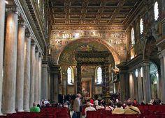Basilica di Santa Maria Maggiore; edificata tra il 432 e il 440 d.C. E' la basilica paleocristiana meglio conservata. L'interno è diviso in tre navate da due file di colonne ioniche, le pareti della navata centrale sono forate da finestre, e l'arco trionfale è ricoperto di scene a mosaico.