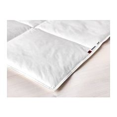 IKEA - HÖNSBÄR, Comforter, cooler, -, Full/Queen, , If you often feel warm this cooler, thinner comforter with less filling is the right one for you.Filling with a large proportion of feathers transports moisture away and keeps you dry all night.You get a dry and evenly tempered sleeping environment since both the filling and the cotton cover breathe well, which helps air circulate.The warmth is distributed evenly, with no cold spots, because the comforter is sewn in boxes to keep the…