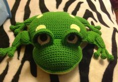 Their frogs I knitted from Alize Cotton gold # 126 and Yarn art Jeans # The main (back) color is Crochet Frog, Crochet Toys, Crochet Baby, Knit Crochet, Baby Patterns, Crochet Patterns, Handmade Stuffed Animals, Newborn Toys, Amigurumi Toys