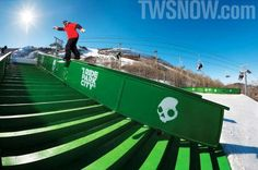 SNOWBOARDER is the most-read magazine in snowboarding, delivering more snowboard videos and photos than any other shred mag. Snowboarding Resorts, Snowboarding Videos, Transworld Snowboarding, Waterproof Breathable Jacket, Ski Sport, Ski Socks, Body Heat, Park City, Good Times