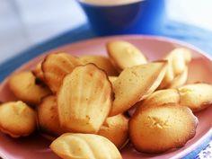 Madeleines ist ein Rezept mit frischen Zutaten aus der Kategorie Gebäck. Probieren Sie dieses und weitere Rezepte von EAT SMARTER!