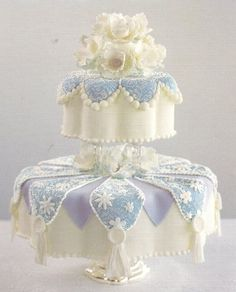 Unique wedding cake by Rose Valley Cakes
