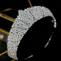 Foto Glamour, Vintage Headpiece, Bride Tiara, Silver Tiara, Accesorios Casual, Crystal Crown, Tiaras And Crowns, Royal Tiaras, Crown Headband