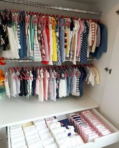 Das nennst du Ordnung – Women's Site - New Sites Baby Doll Nursery, Baby Bedroom, Baby Room Decor, Home Organisation, Closet Organization, Boys Closet, Paint Your House, Wall Painting Decor, Office Wall Decor
