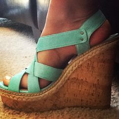 Steve Madden wedges - size 8.5 please :)