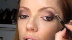 Julia Petit Passo a Passo Coque alto Maquiagem