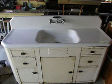 Specialized Refinishing Can Make Your Old Porcelain Sinks