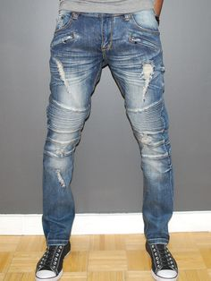 Men also can access all kinds of clothing and accessories necessary to accompany the clothes. Skinny ripped jeans are extremely hard and complicated when wearing. Skinny ripped jeans are available in many unique designs. Slim Fit Ripped Jeans, Biker Jeans, Denim Fashion, Man Fashion, Distressed Jeans, Swagg, Jeans Style, Trends, Men Casual