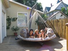 Floating Beds are rated to hold 1000 lbs or 5 adults.....3 friends shown here. Need one for Keuka!!!