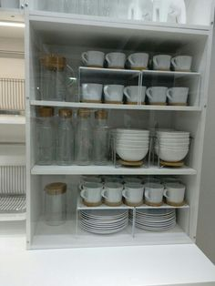 creative kitchen cabinet organization and tips ideas to copy as soon as possible . creative kitchen cabinet organization and tips ideas to copy as soon as possible . Clever Kitchen Storage, Kitchen Organization Pantry, Home Organisation, Kitchen Cabinet Organization, Kitchen Drawers, Cabinet Ideas, Storage Cabinets, Dishes Organization, Kitchen Shelves