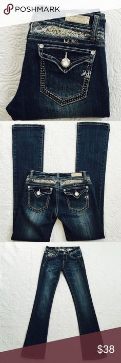 """L.A. Idol USA bootcut jeans In great condition. Size 26, Inseam 34"""", rise 6.5"""", waist 28"""". 97% cotton, 3% spandex. No trades  L. A. Idol Jeans Boot Cut"""