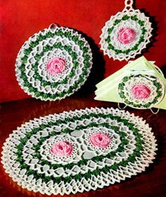 Vintage Crochet PATTERN to make - Antique Irish Crochet Narcissus Flower Motif Hair Ornament. NOT a finished item. This is a pattern and/or instructions to make the item only. Crochet Potholder Patterns, Crochet Placemats, Vintage Crochet Patterns, Crochet Dishcloths, Crochet Flower Patterns, Crochet Doilies, Crochet Flowers, Knitting Patterns, Rose Patterns