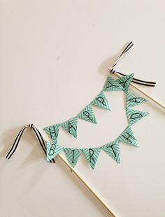 DIY cake topper banner via Meadow at Dusk