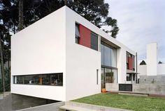 House in Curitiba Design: Una Arquitetos