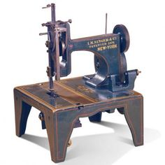 The first commercially successful sewing machine, Isaac Merrit Singer. Now known as Singer sewing machines. The demand for mass produced clothing was in high demand, first for slaves and later for soldiers. Retro, Sewing Machine Accessories, Vintage Sewing Notions, Antique Sewing Machines, Sewing Studio, Sewing Rooms, Love Sewing, Sewing Hacks, Sewing Headbands