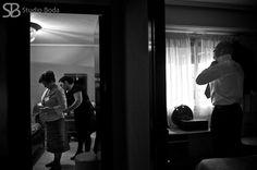 Foto boda - groom getting ready  By Studio Boda 2013 www.studioboda.com